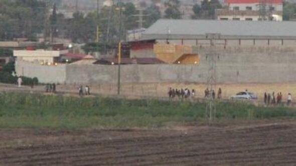 Suriyedeki YPGli teröristlerin sınır hattındaki hareketliği görüntülendi