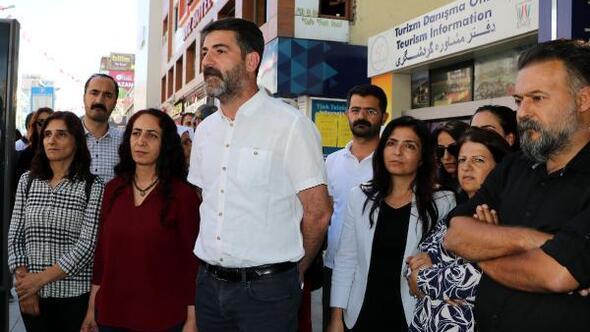 Vanda, HDPlilerin basın açıklamasına polis engeli