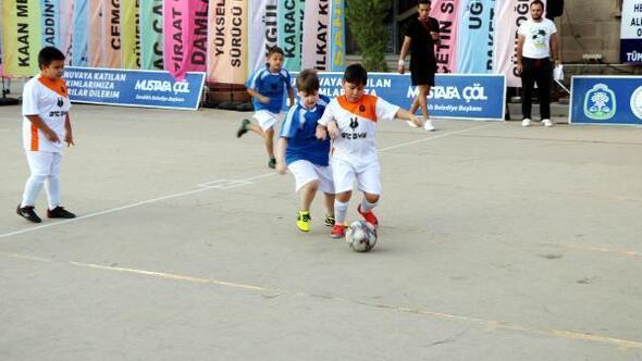 Sandıklıda sokak futbolu turnuvası