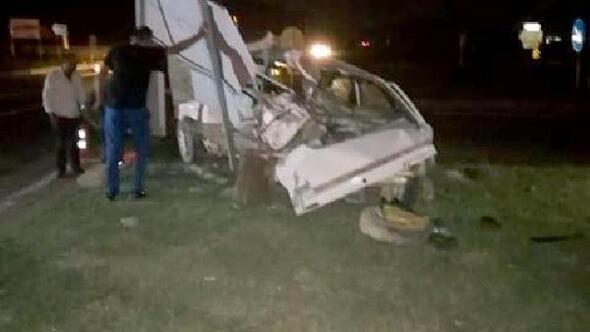 Sakaryada iki otomobil çarpıştı: 1 ölü, 3 yaralı
