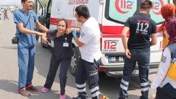 Hemşire, eşinin öldüğü kaza yerinde sinir krizi geçirdi