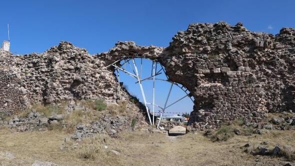 Osmanlının ilk fethettiği Karacahisar Kalesinde kazılara başlandı