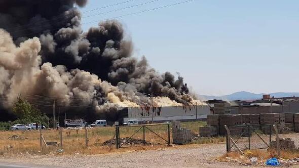 Tekstil fabrikasında yangın