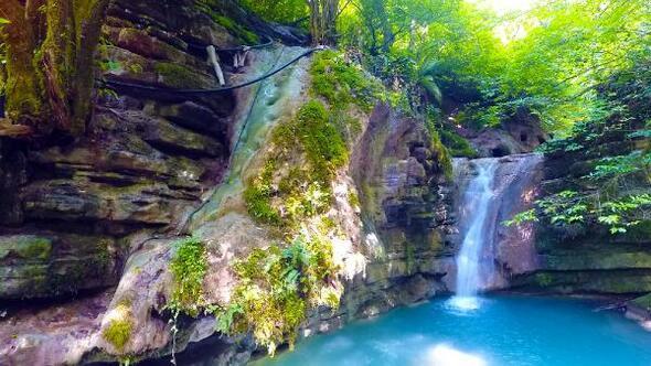 Doğa harikası Erfelek Tatlıca Şelalelerine ilgi