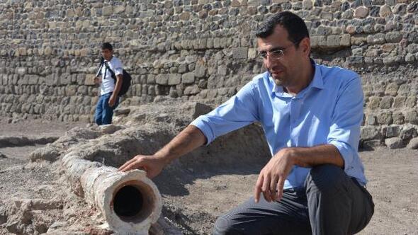 Erzurum Kalesinde 800 yıllık su isale hattı ortaya çıkarıldı