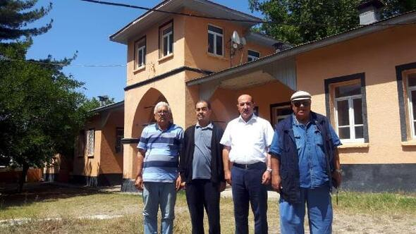 Genel Sekreter Bolattan ilçe köylerine ziyaret