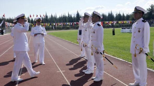 Deniz Kuvvetlerine 390 genç subay katıldı