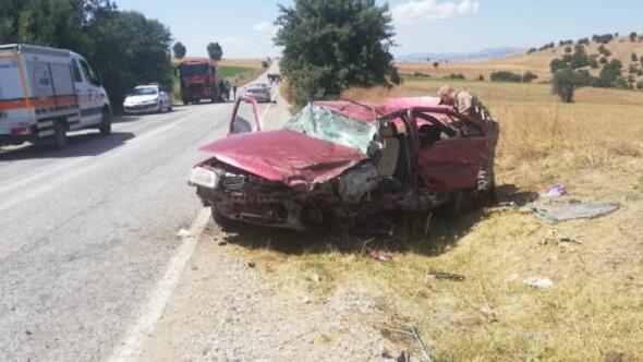 Tokatta iki otomobil çarpıştı: 7 yaralı