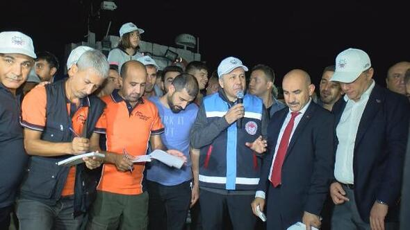 İstanbulda balıkçılar sezonun ilk avından döndü