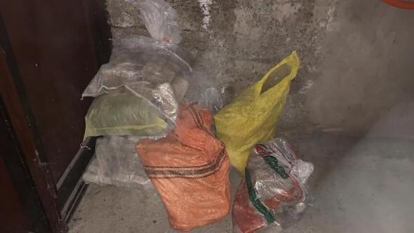 Minibüs ve garajda 137 kilo eroin ele geçirildi