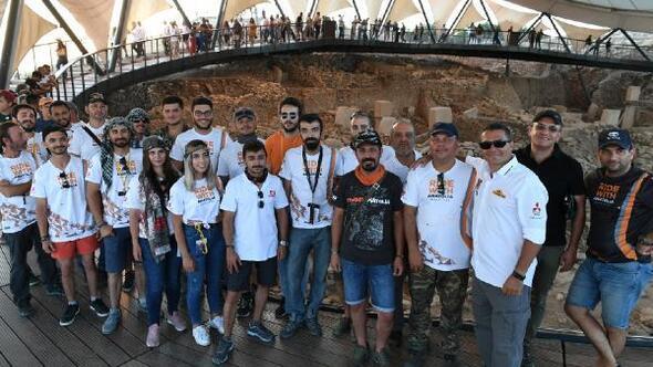 TransAnatolia Rally Raid ekibi Göbeklitepeyi gezdi