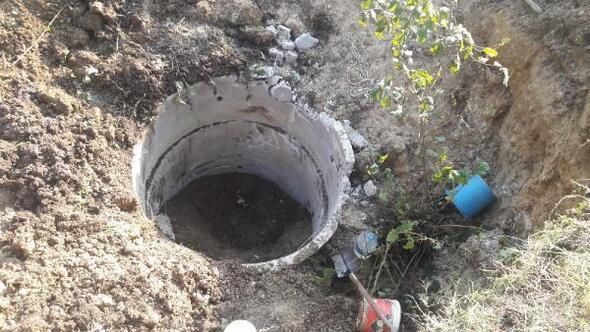 Su kuyusu kazarken, toprak altında kaldı