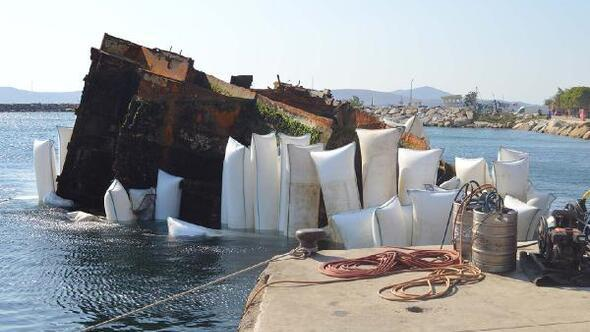 Erdek'de batık geminin son parçası çıkartılıyor
