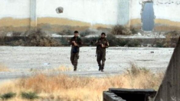 Teröristler sınırda dolaşmayı sürdürüyor