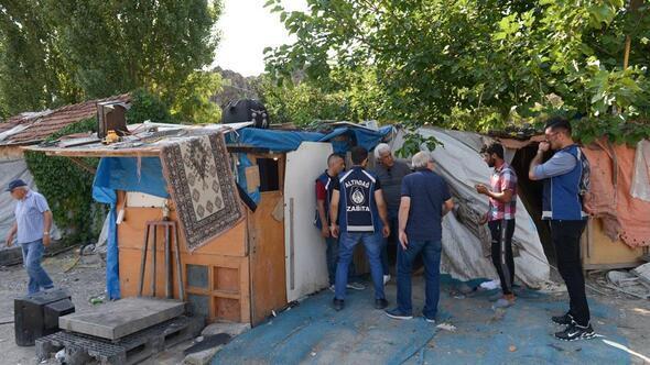 Hurda barakalarına yıkım operasyonu
