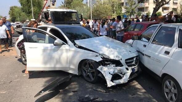 Otomobilin çarptığı motosikletli anne- kız yaralandı