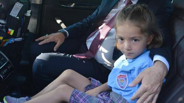 Şehit kızı Hafzayı, emniyet müdürü okula götürdü