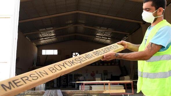 Mersinin mobilyaları belediye atölyelerinde üretiliyor
