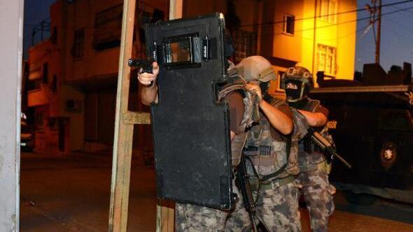Adanada 500 polis ile uyuşturucu operasyonu