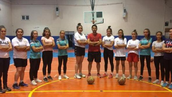 Gölhisar Kadın Basketbol Takımı iddialı