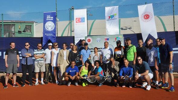 Kortta diplomasi turnuvası