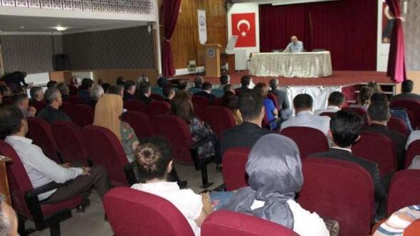 Sivasta, Demokrasi ve Milli Birlik konferansı