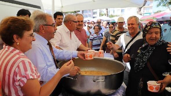 Gelibolu Belediyesi'nden 10 bin kişilik aşure hayrı