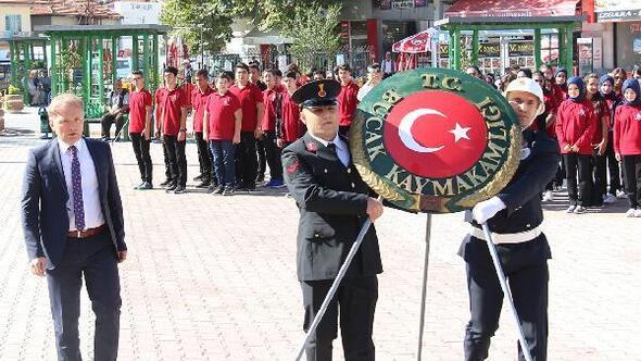 Bucakta Gaziler Günü töreni