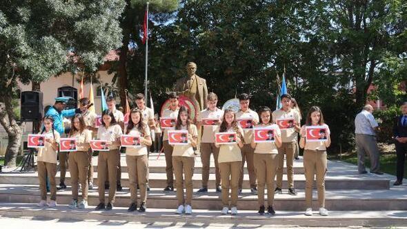 Dinarda Gaziler Günü töreni