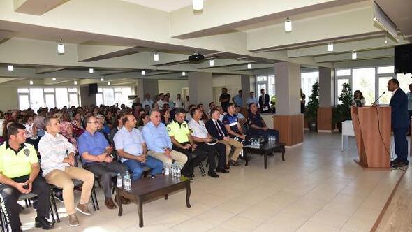 Manisada servis şoförleri ve rehber personeline eğitim semineri