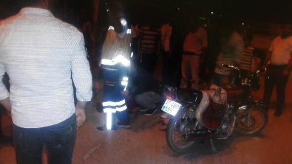 Kamyonet ile motosiklet çarpıştı:2 yaralı