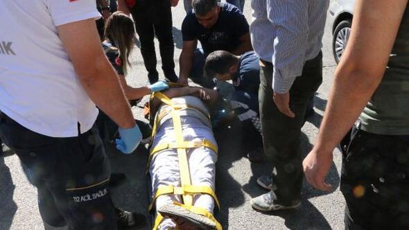 Adıyamanda motosikletin çarptığı yaya yaralandı