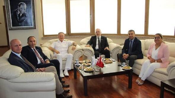 Deniz Üs Komutanından Başkan Tosyalı'ya Ziyaret