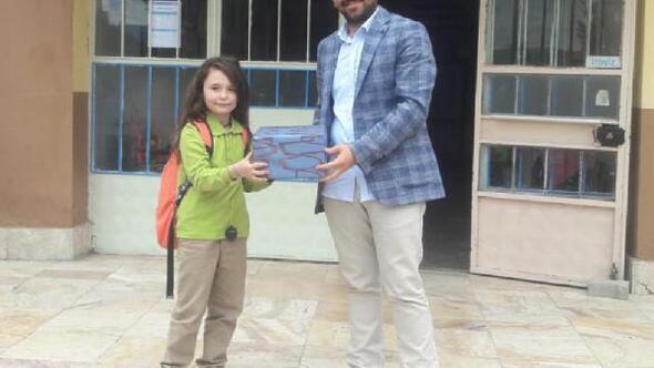 Başarılı öğrenci ödüllendirildi