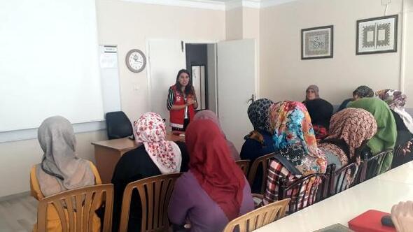 Kadına yönelik şiddetle mücadele eğitimleri sürüyor