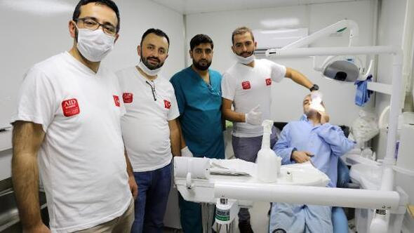 Türk doktorlar, Suriyedeki hastaların diş tedavisini yaptı