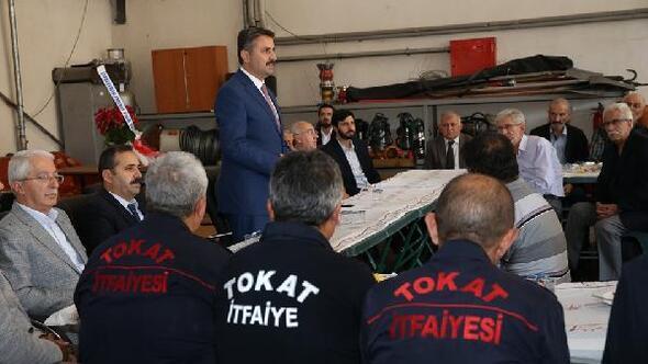 Başkan Eroğlu itfaiyiceler ile bir araya geldi