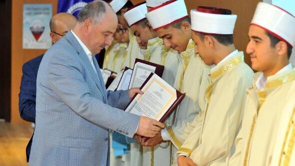 Osmaniyede 32 hafız icazet belgesi aldı