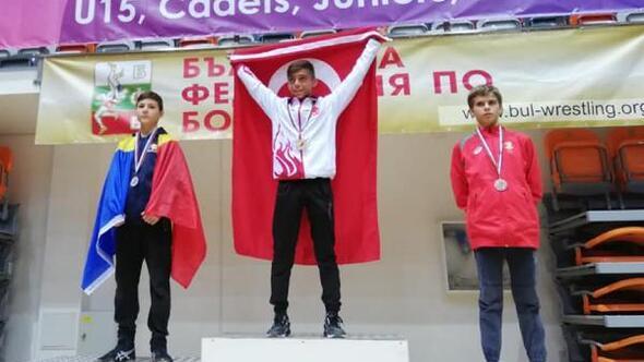 Korkutelili sporculardan altın ve gümüş madalya