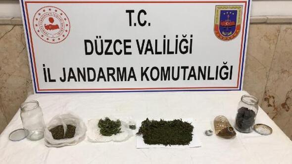 Uyuşturucu maddeyi toprağa gömmüşler