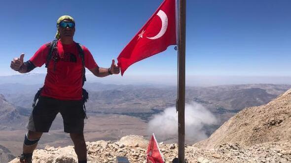 Demirkazık Dağının 3 zirvesine Türk bayrağını dikti
