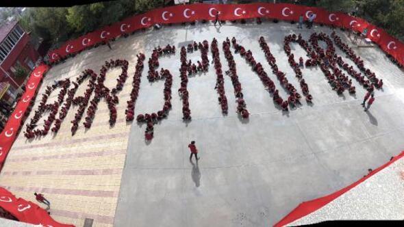 Lise öğrencilerinden Barış Pınarı koreografisi
