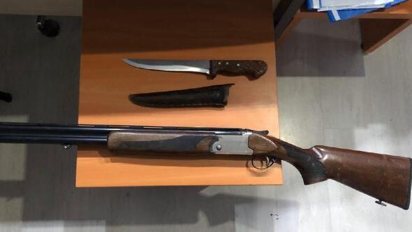 Tüfek ve bıçakla yakalanan şüpheli gözaltında