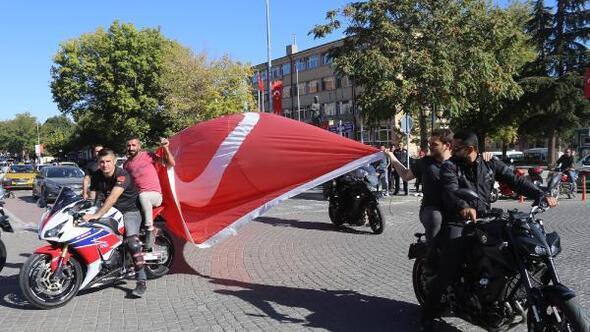 Avanosta motor tutkunlarından Barış Harekatına destek konvoyu
