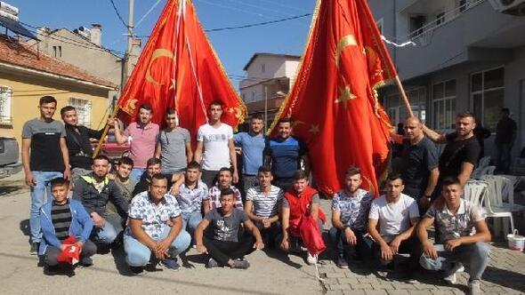 Bayrak hayrında, harekata katılan askerler için dua edildi