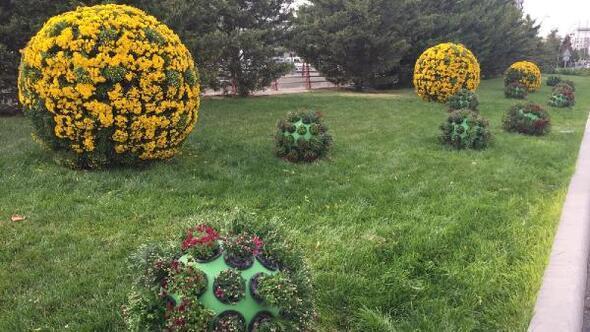 Kayseri çiçeklerle süsleniyor