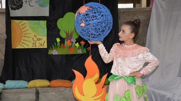 Yüksekovada ilkokul öğrencilerinden Doğa İçin Çiz etkinliği