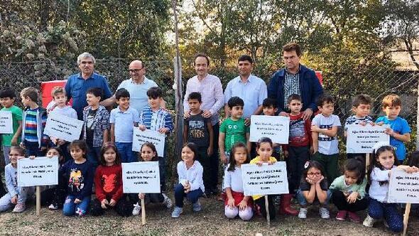 Altınova'da  öğrenciler, zeytin fidanı dikti