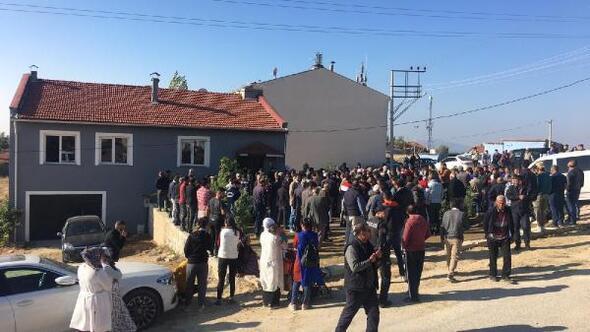Uşak'ta yangın faciası: Baba ve 3 çocuğu öldü, anne tedaviye alındı