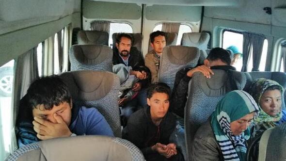 Çanakkale'de 35 kaçak göçmen yakalandı